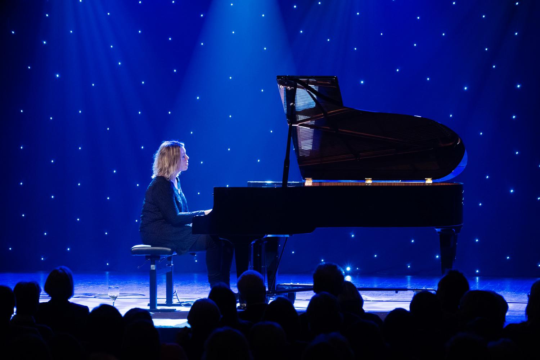Piano och stjärnhimmel